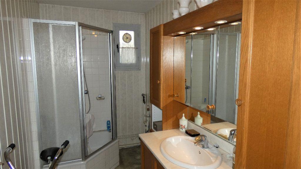 Appartement à vendre 4 76.75m2 à Orléans vignette-8