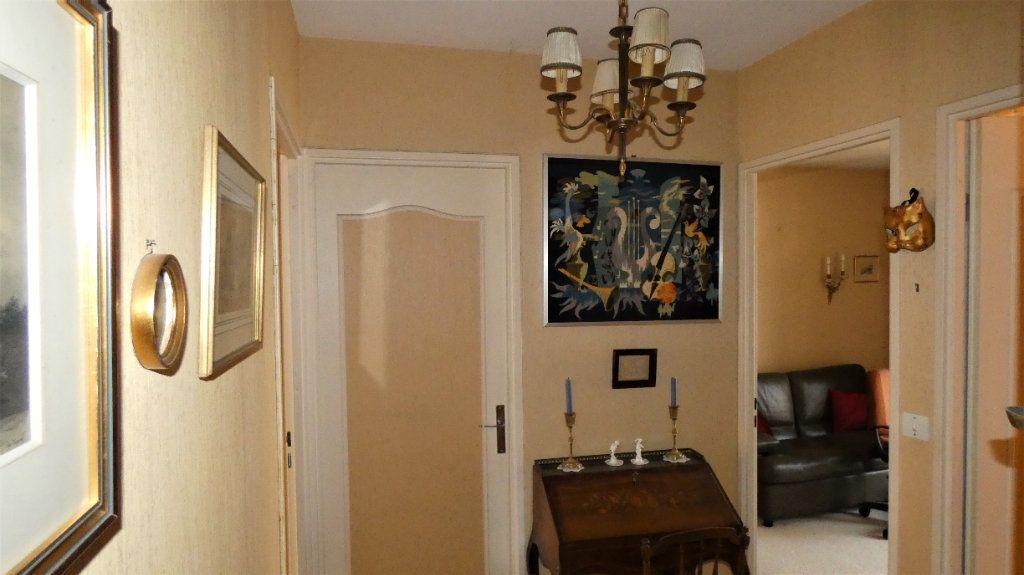 Appartement à vendre 4 76.75m2 à Orléans vignette-9