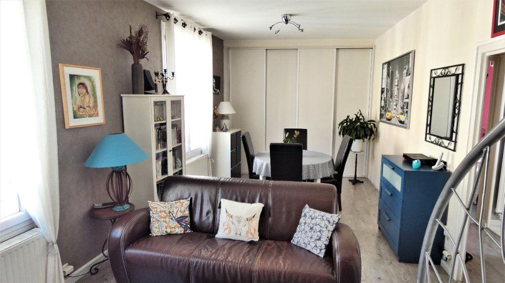 Appartement à vendre 4 75.87m2 à Orléans vignette-1