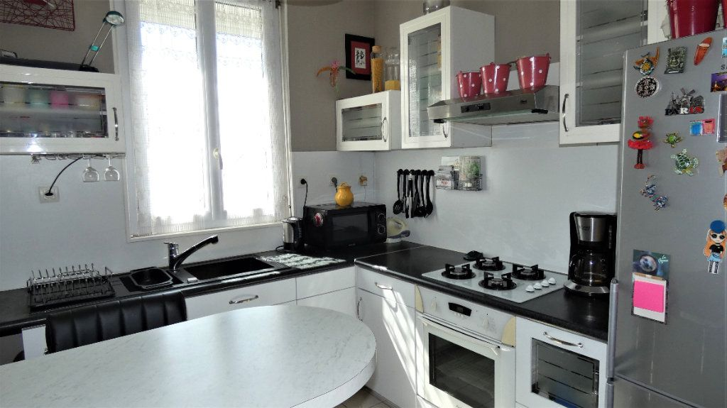 Appartement à vendre 4 75.87m2 à Orléans vignette-5
