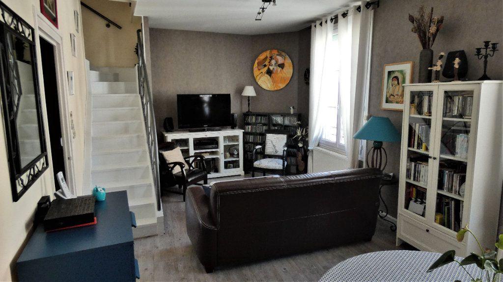 Appartement à vendre 4 75.87m2 à Orléans vignette-9