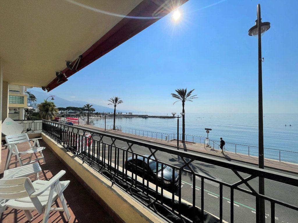 Appartement à vendre 4 95.54m2 à Roquebrune-Cap-Martin vignette-1