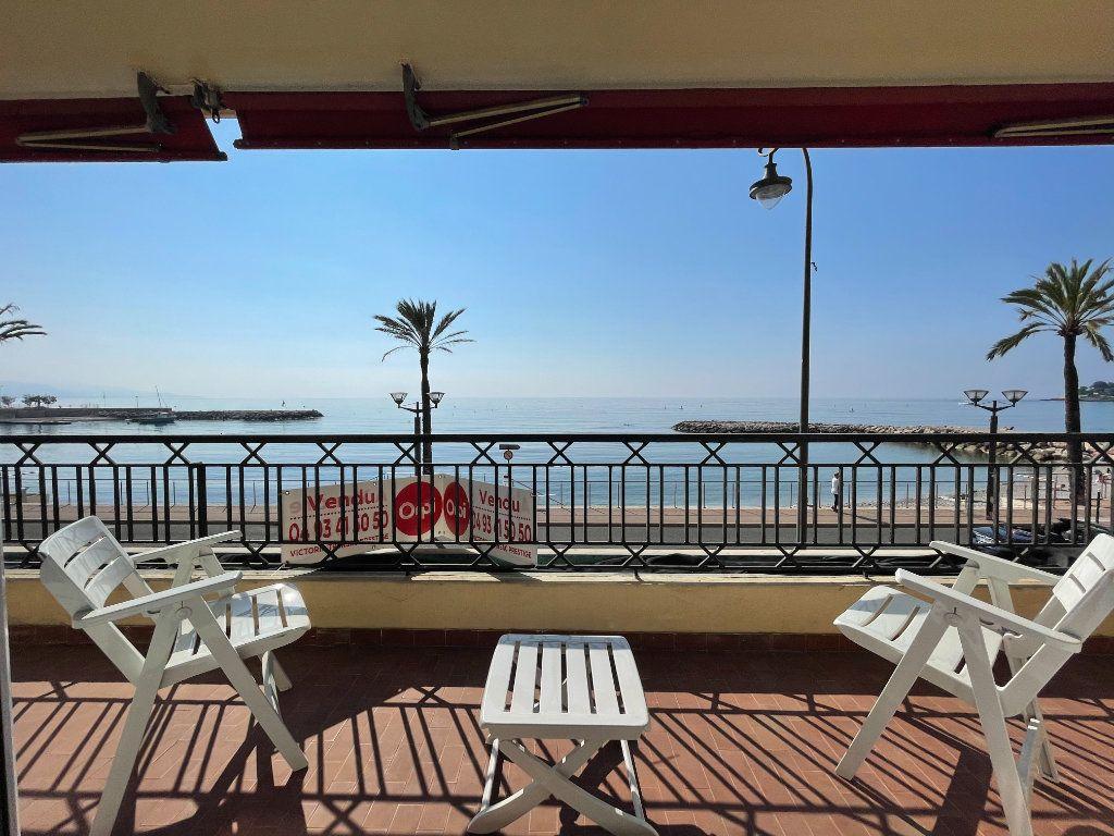 Appartement à vendre 4 95.54m2 à Roquebrune-Cap-Martin vignette-2