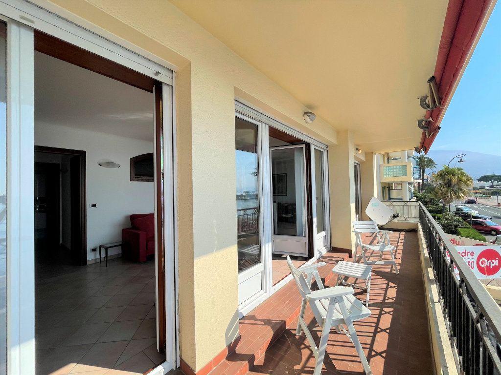 Appartement à vendre 4 95.54m2 à Roquebrune-Cap-Martin vignette-4