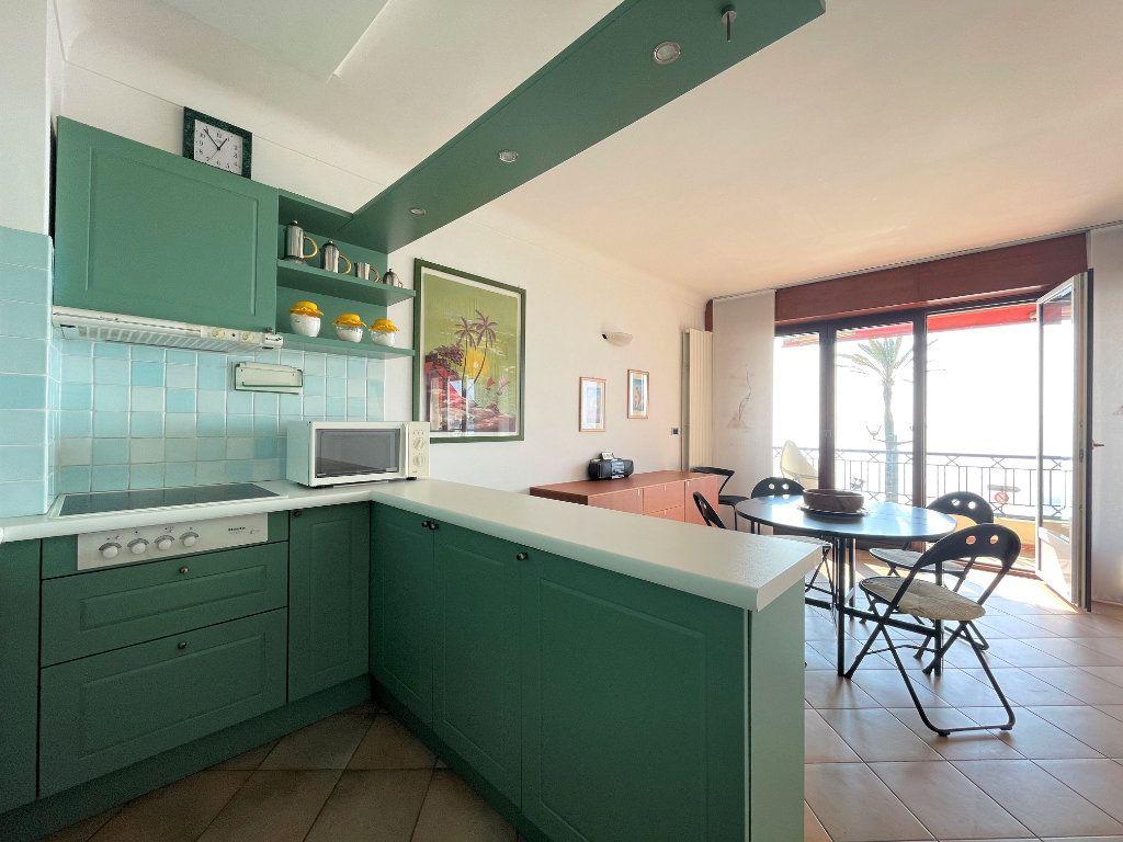 Appartement à vendre 4 95.54m2 à Roquebrune-Cap-Martin vignette-5