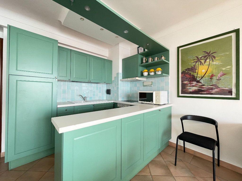 Appartement à vendre 4 95.54m2 à Roquebrune-Cap-Martin vignette-6