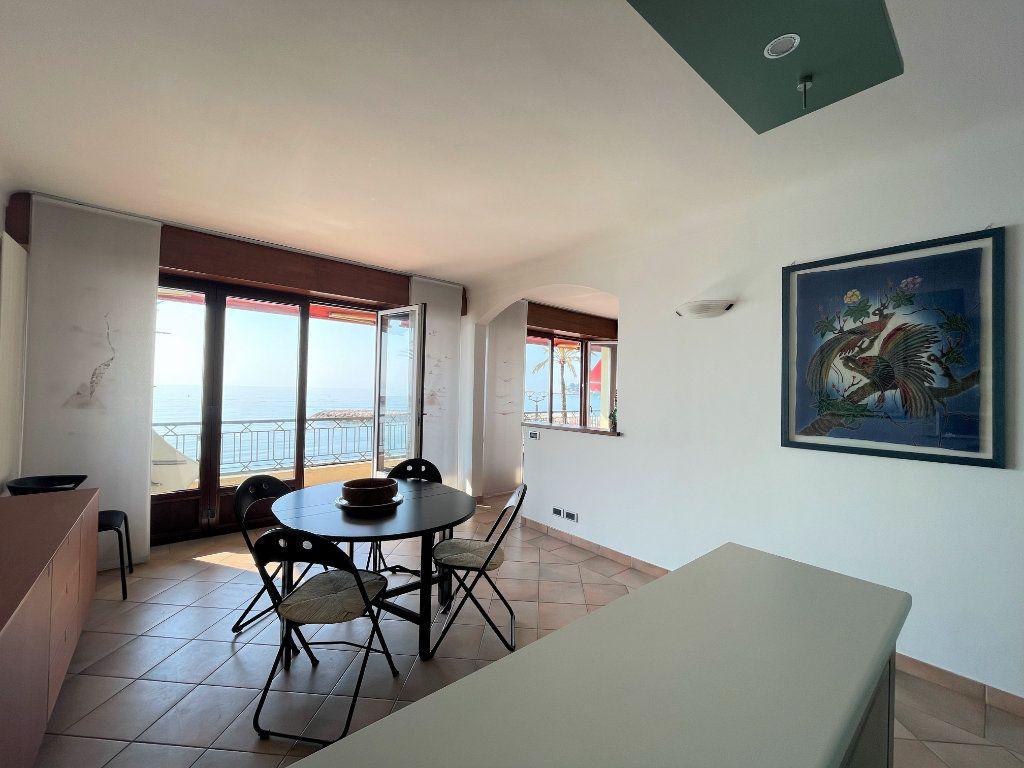 Appartement à vendre 4 95.54m2 à Roquebrune-Cap-Martin vignette-7