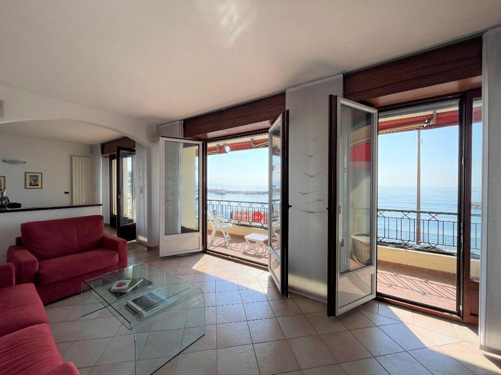 Appartement à vendre 4 95.54m2 à Roquebrune-Cap-Martin vignette-9