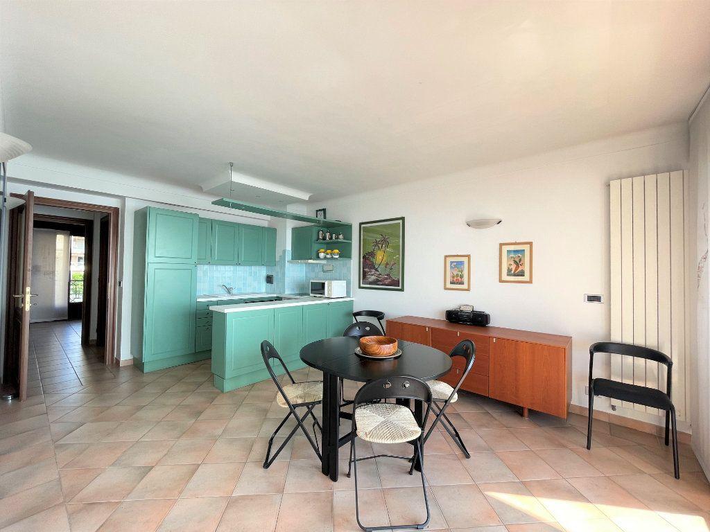 Appartement à vendre 4 95.54m2 à Roquebrune-Cap-Martin vignette-10