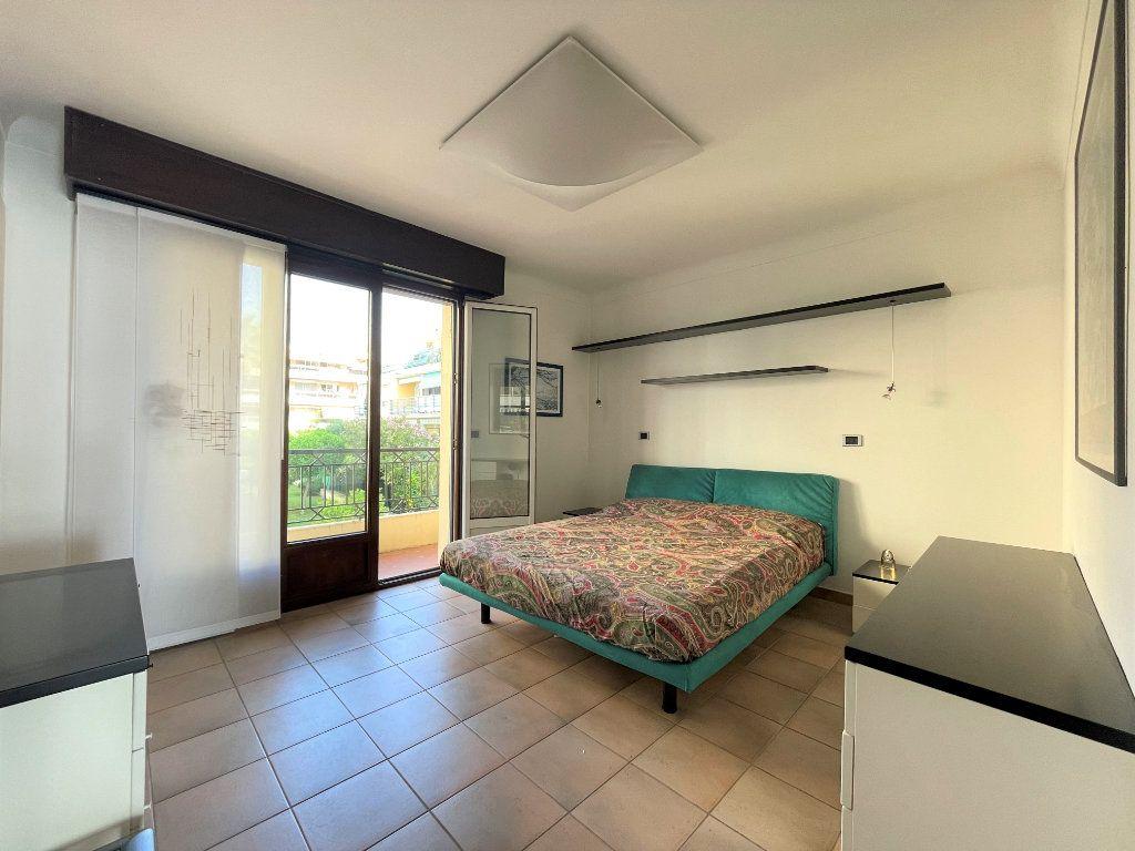 Appartement à vendre 4 95.54m2 à Roquebrune-Cap-Martin vignette-11