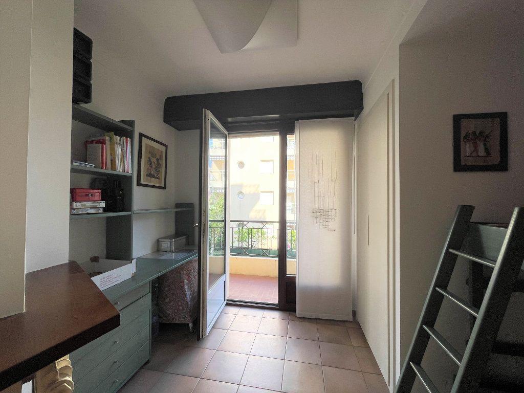Appartement à vendre 4 95.54m2 à Roquebrune-Cap-Martin vignette-13
