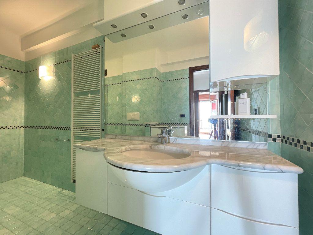 Appartement à vendre 4 95.54m2 à Roquebrune-Cap-Martin vignette-16