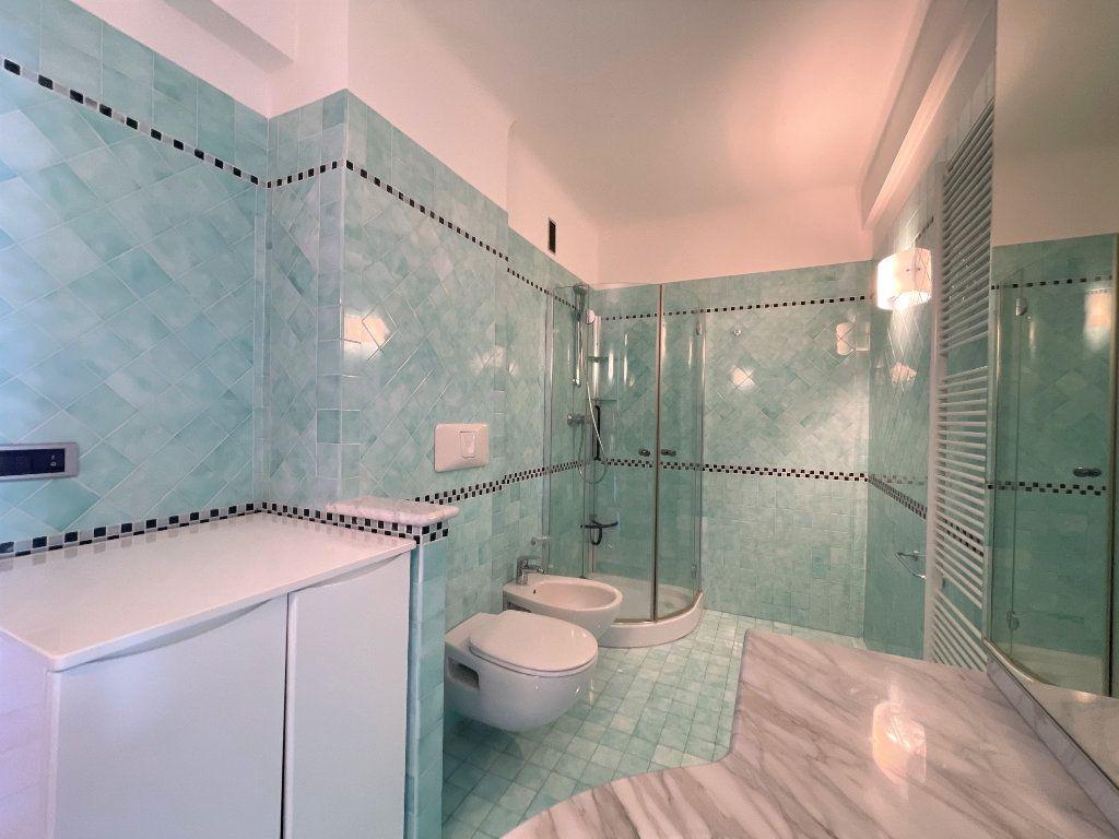 Appartement à vendre 4 95.54m2 à Roquebrune-Cap-Martin vignette-17