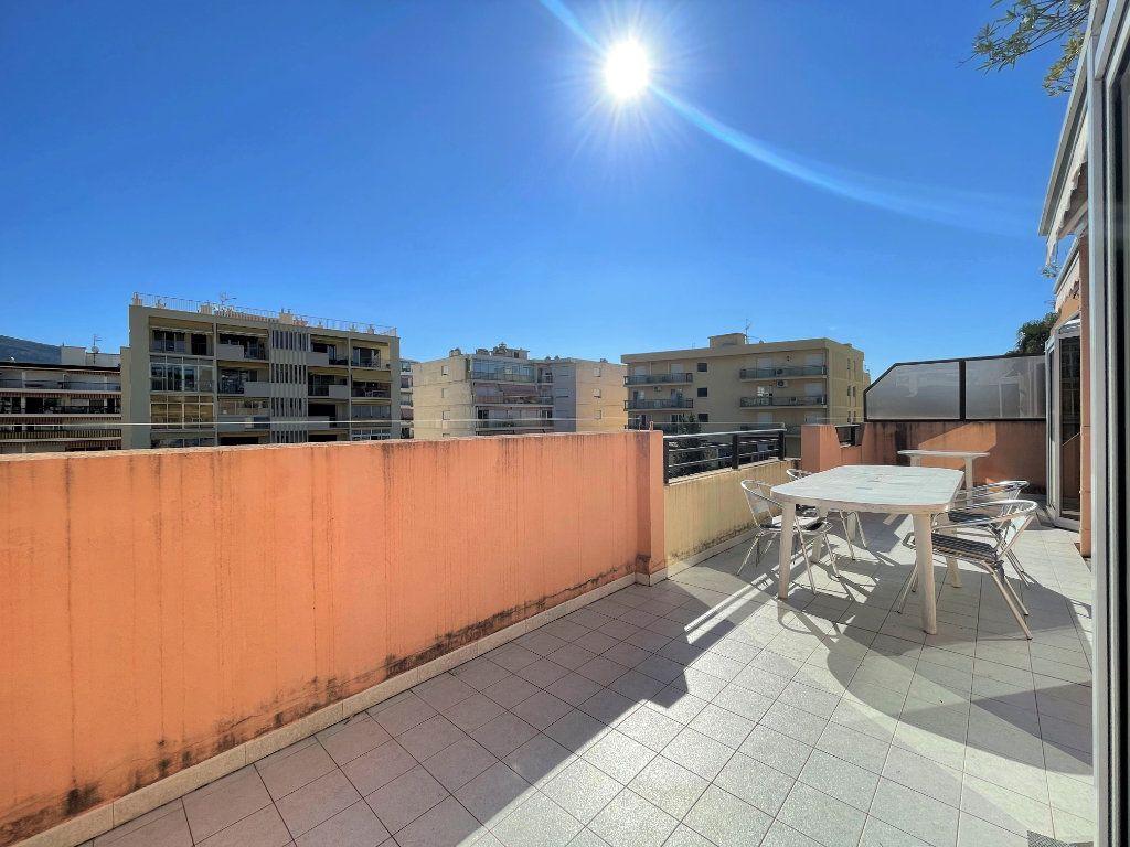 Appartement à vendre 2 36.82m2 à Roquebrune-Cap-Martin vignette-2