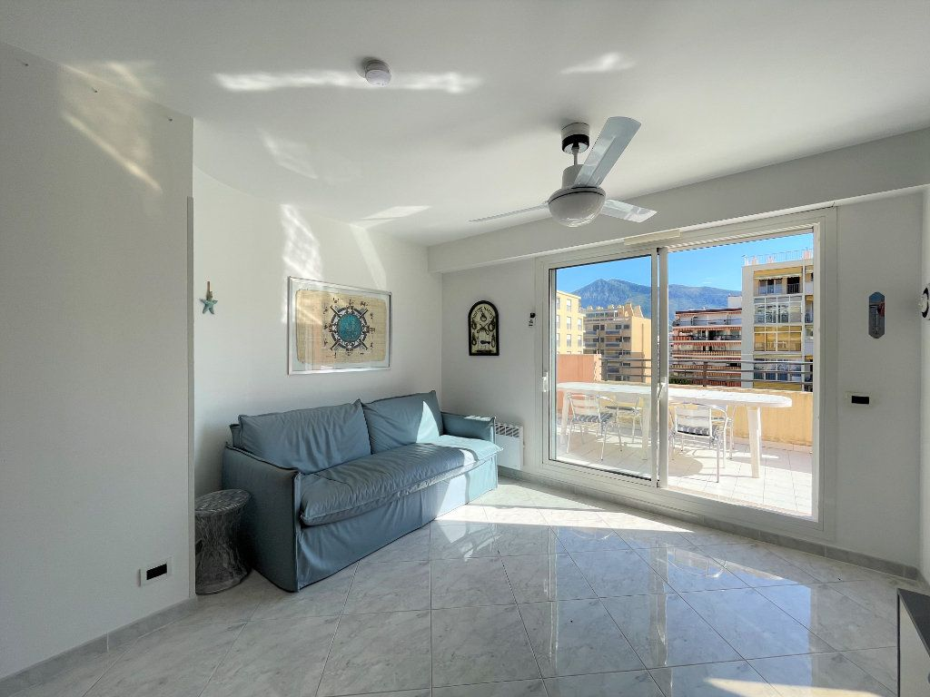 Appartement à vendre 2 36.82m2 à Roquebrune-Cap-Martin vignette-6