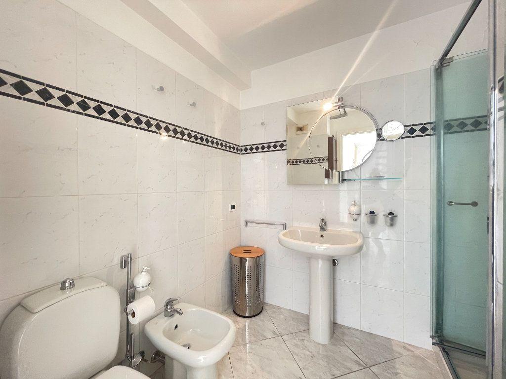 Appartement à vendre 2 36.82m2 à Roquebrune-Cap-Martin vignette-13