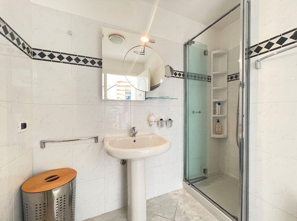 Appartement à vendre 2 36.82m2 à Roquebrune-Cap-Martin vignette-14
