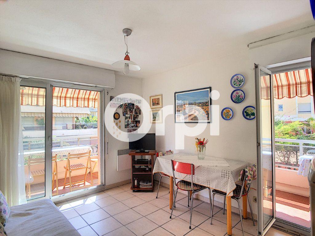 Appartement à vendre 1 23.68m2 à Roquebrune-Cap-Martin vignette-6