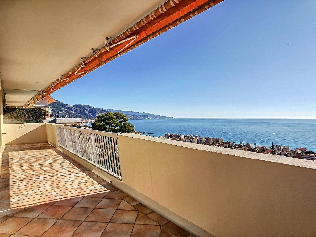 Appartement à louer 4 137.95m2 à Roquebrune-Cap-Martin vignette-1