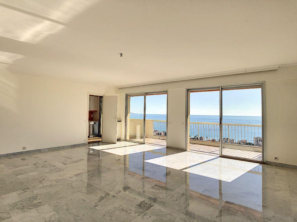Appartement à louer 4 137.95m2 à Roquebrune-Cap-Martin vignette-5