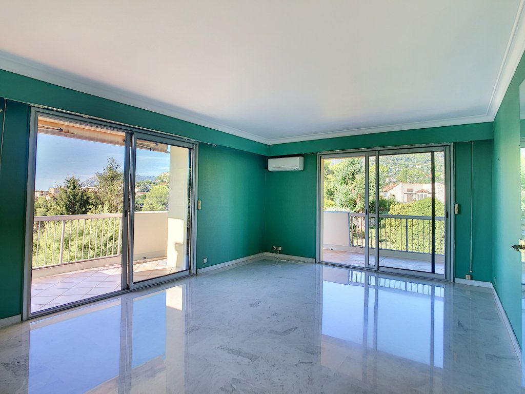 Appartement à louer 4 137.95m2 à Roquebrune-Cap-Martin vignette-8