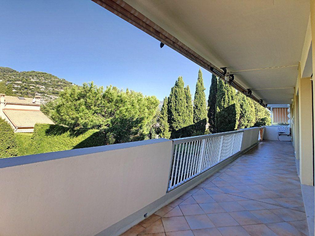 Appartement à louer 4 137.95m2 à Roquebrune-Cap-Martin vignette-10