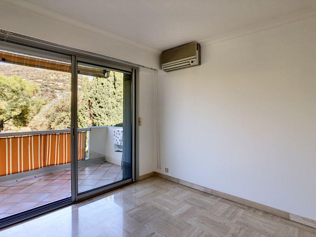 Appartement à louer 4 137.95m2 à Roquebrune-Cap-Martin vignette-13