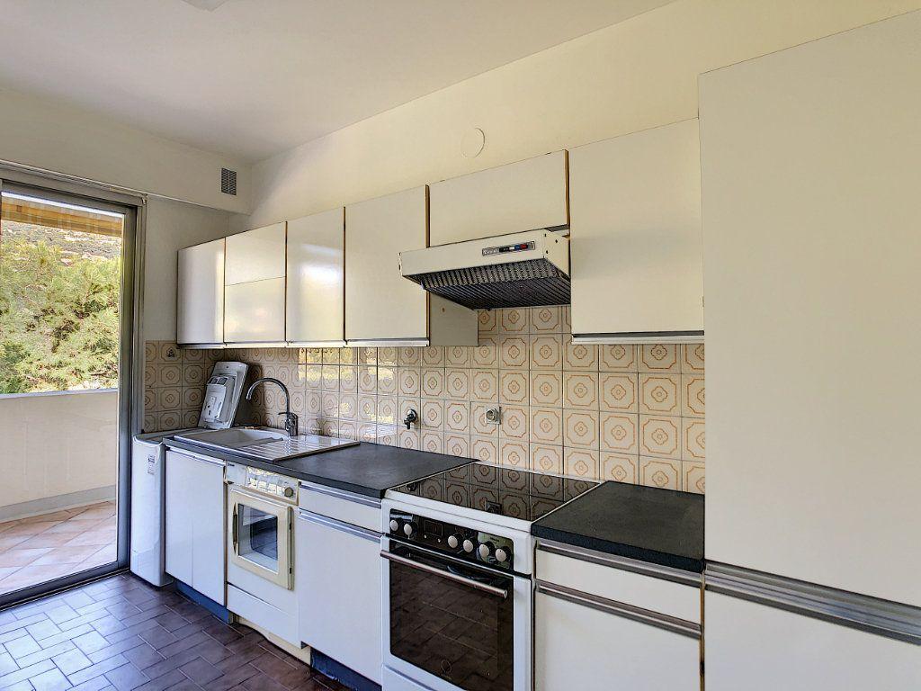Appartement à louer 4 137.95m2 à Roquebrune-Cap-Martin vignette-17