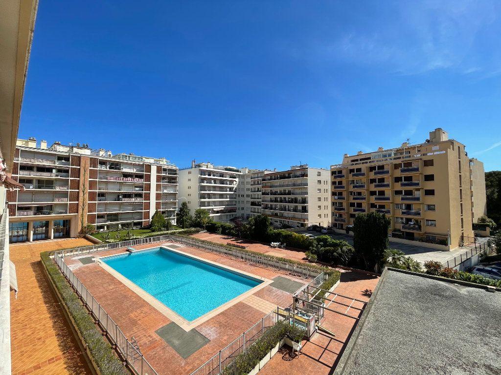 Appartement à vendre 3 72.3m2 à Roquebrune-Cap-Martin vignette-1