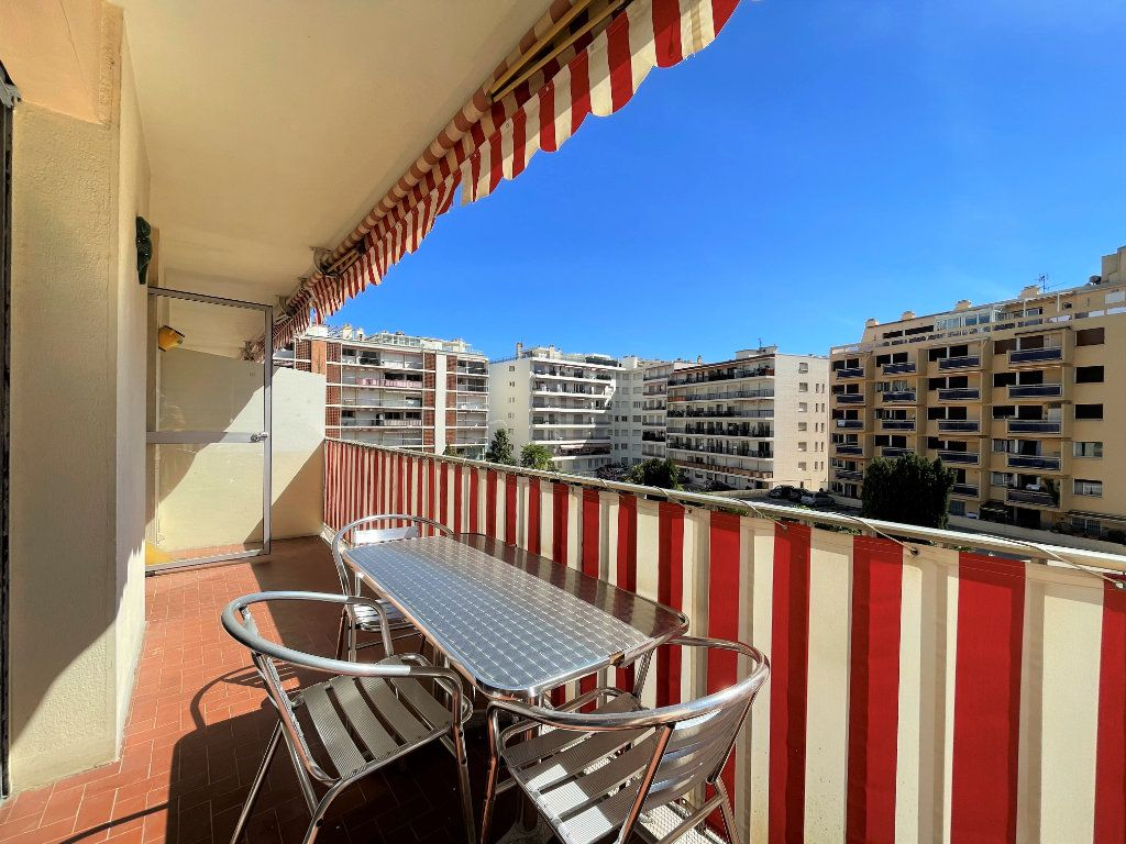 Appartement à vendre 3 72.3m2 à Roquebrune-Cap-Martin vignette-2