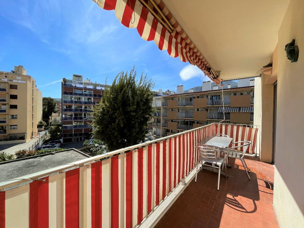 Appartement à vendre 3 72.3m2 à Roquebrune-Cap-Martin vignette-3