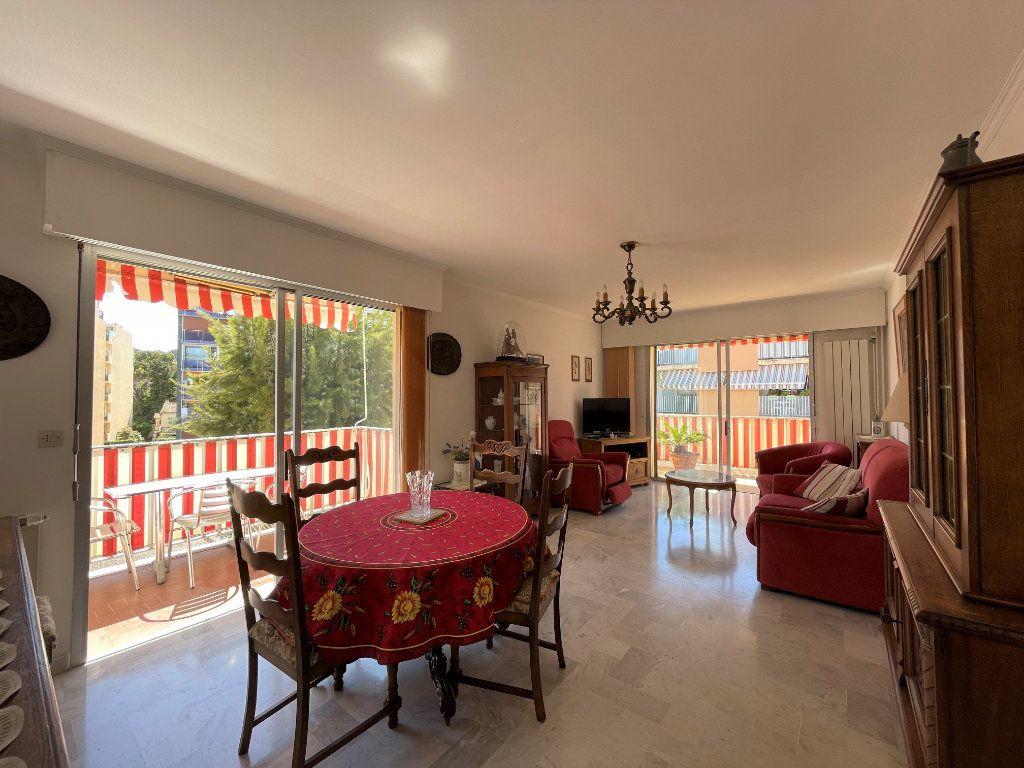 Appartement à vendre 3 72.3m2 à Roquebrune-Cap-Martin vignette-7