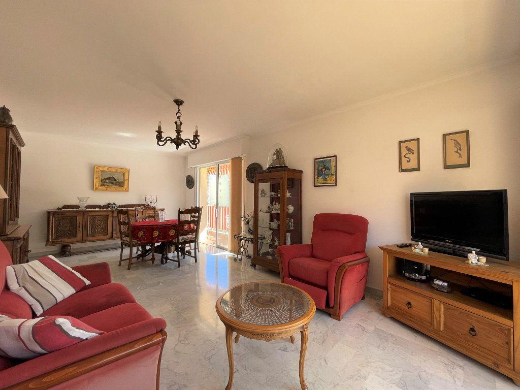 Appartement à vendre 3 72.3m2 à Roquebrune-Cap-Martin vignette-8
