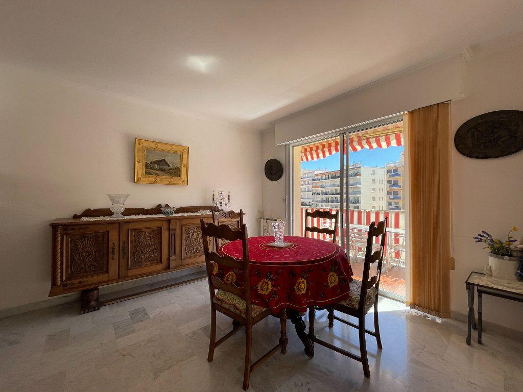Appartement à vendre 3 72.3m2 à Roquebrune-Cap-Martin vignette-9