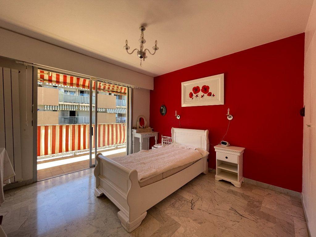 Appartement à vendre 3 72.3m2 à Roquebrune-Cap-Martin vignette-10