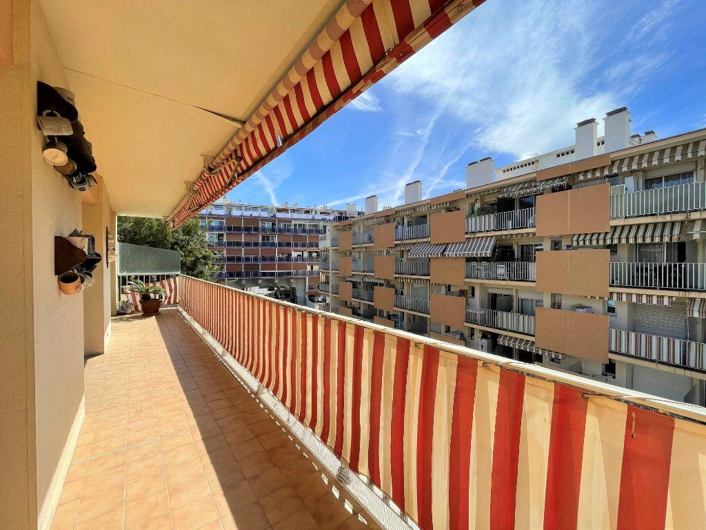 Appartement à vendre 3 72.3m2 à Roquebrune-Cap-Martin vignette-12