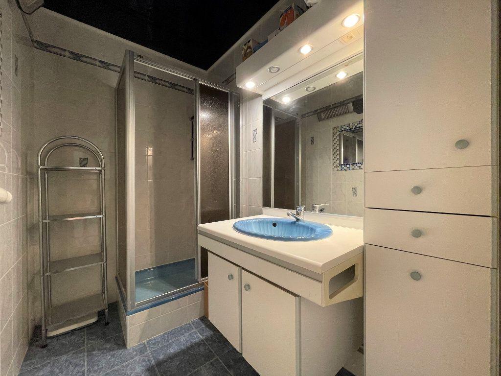 Appartement à vendre 3 72.3m2 à Roquebrune-Cap-Martin vignette-13