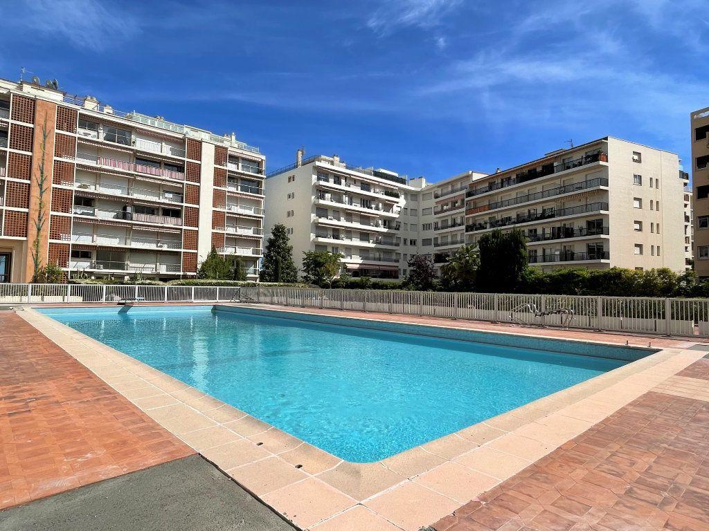 Appartement à vendre 3 72.3m2 à Roquebrune-Cap-Martin vignette-14