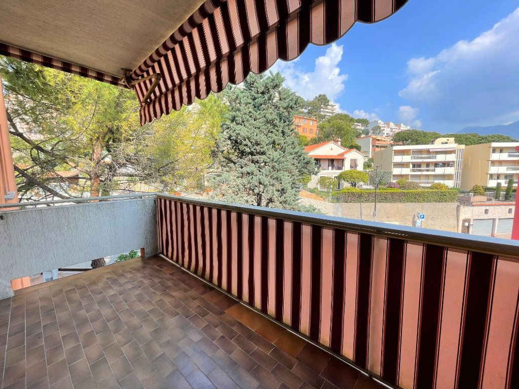 Appartement à louer 1 21.62m2 à Roquebrune-Cap-Martin vignette-1