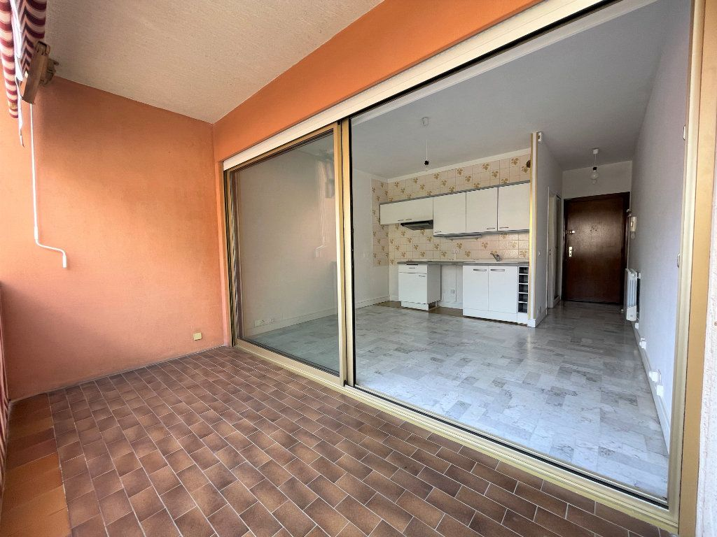 Appartement à louer 1 21.62m2 à Roquebrune-Cap-Martin vignette-4