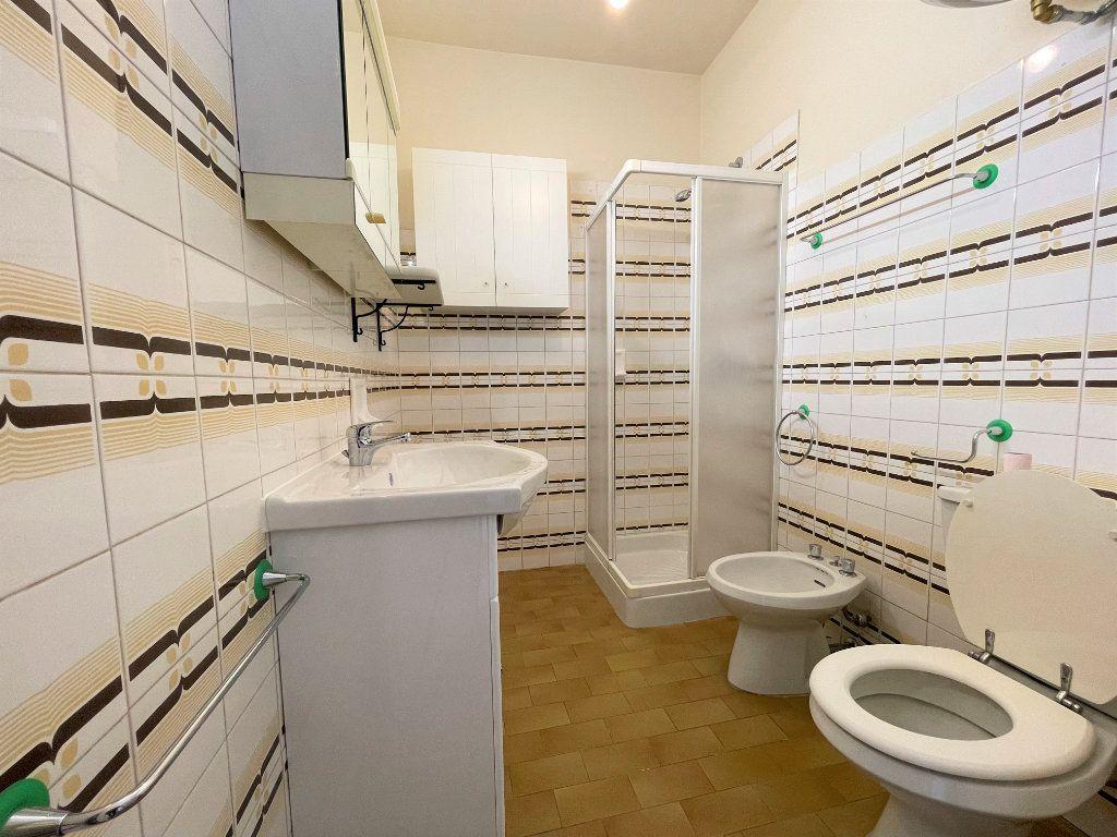 Appartement à louer 1 21.62m2 à Roquebrune-Cap-Martin vignette-9