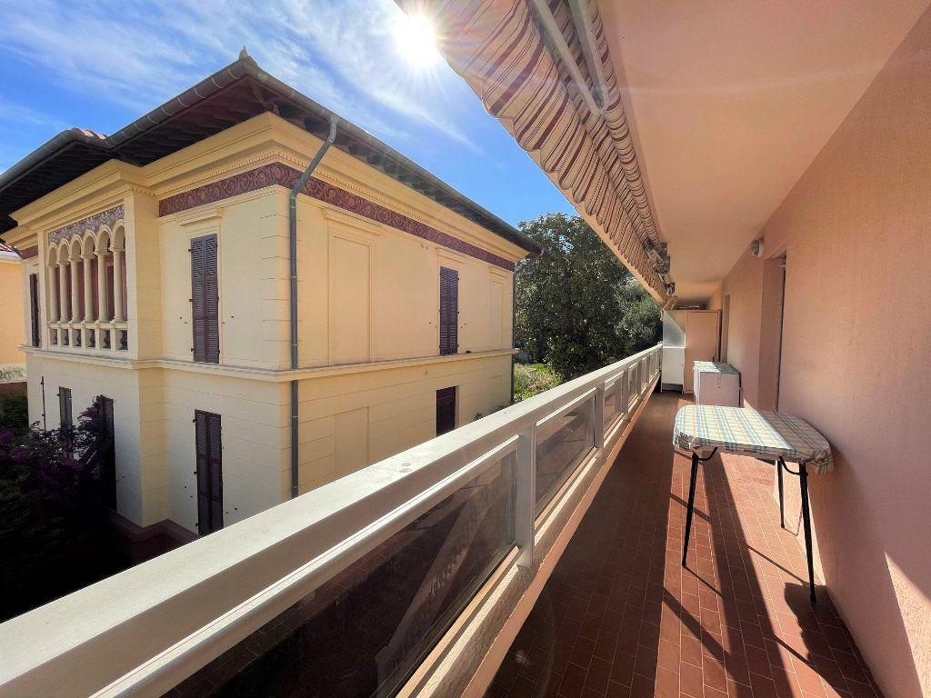 Appartement à vendre 1 23.83m2 à Roquebrune-Cap-Martin vignette-4