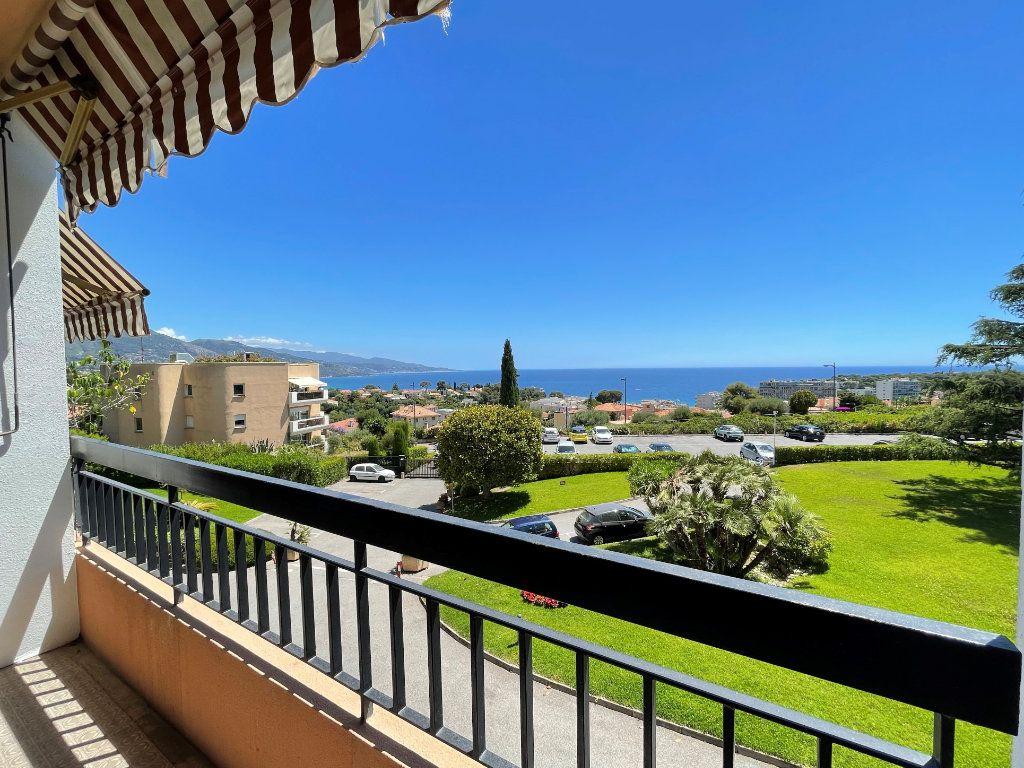 Appartement à vendre 2 51.85m2 à Roquebrune-Cap-Martin vignette-1