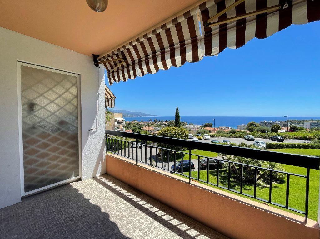 Appartement à vendre 2 51.85m2 à Roquebrune-Cap-Martin vignette-2