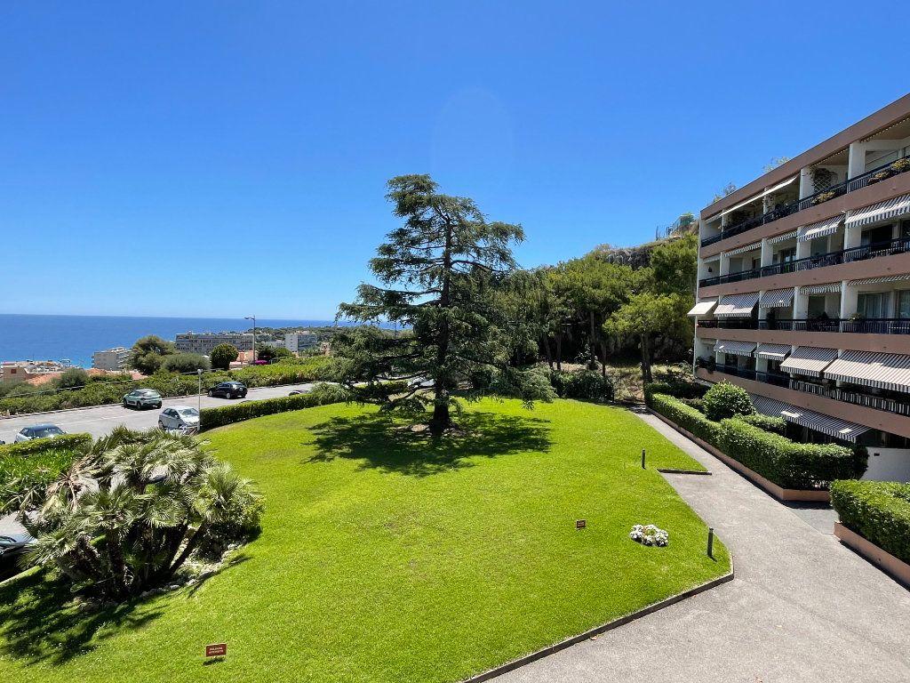 Appartement à vendre 2 51.85m2 à Roquebrune-Cap-Martin vignette-4
