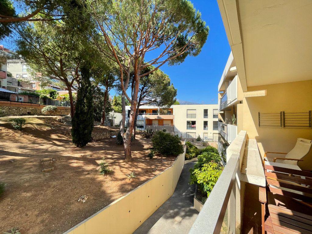 Appartement à louer 1 28.09m2 à Roquebrune-Cap-Martin vignette-2