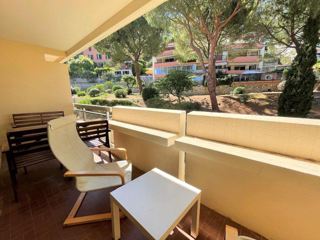 Appartement à louer 1 28.09m2 à Roquebrune-Cap-Martin vignette-3