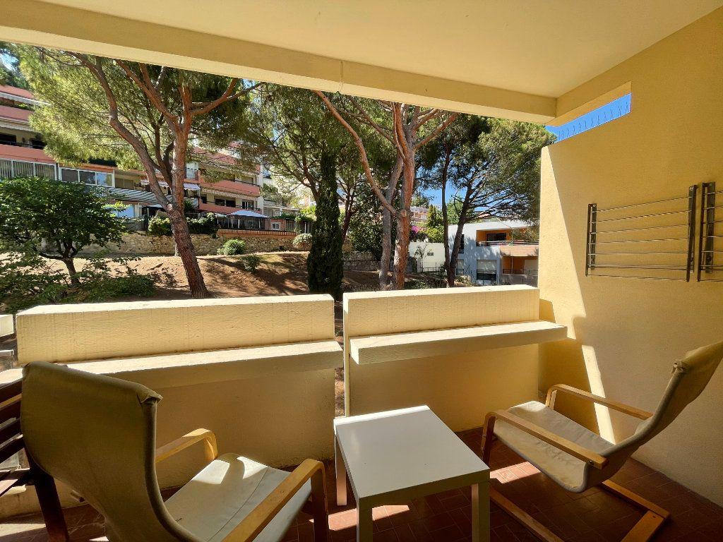 Appartement à louer 1 28.09m2 à Roquebrune-Cap-Martin vignette-4