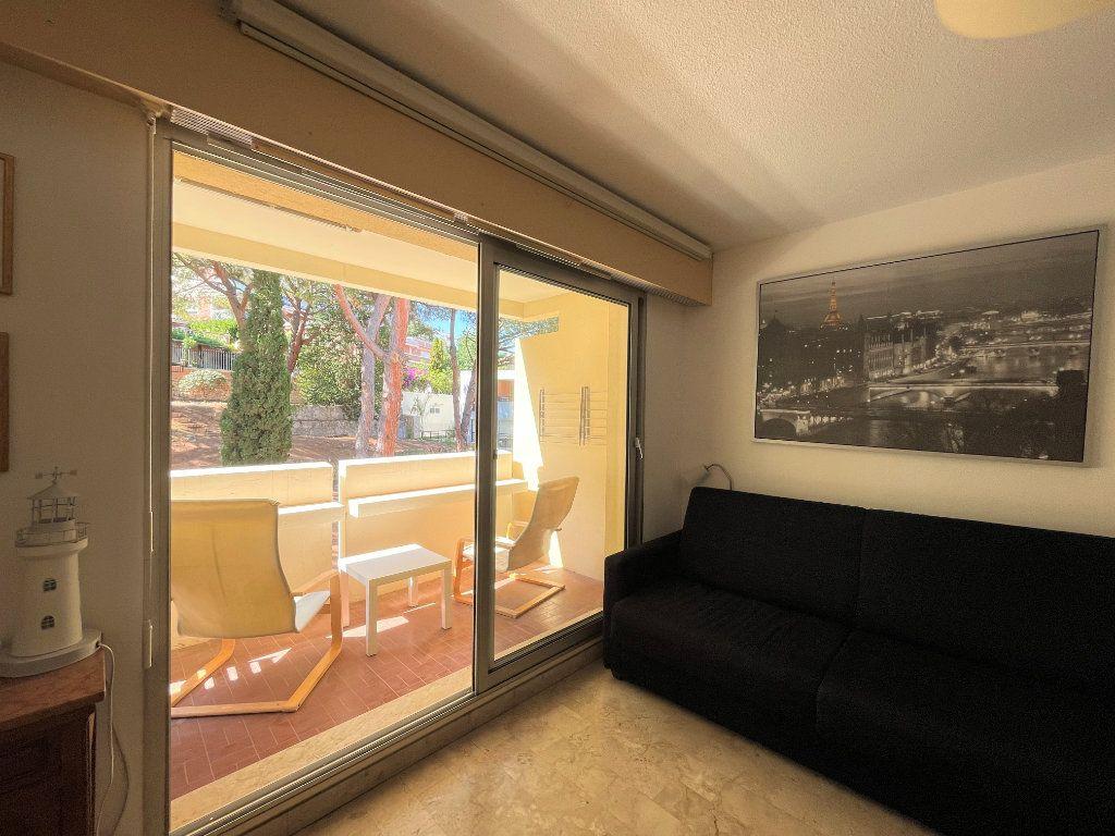 Appartement à louer 1 28.09m2 à Roquebrune-Cap-Martin vignette-5