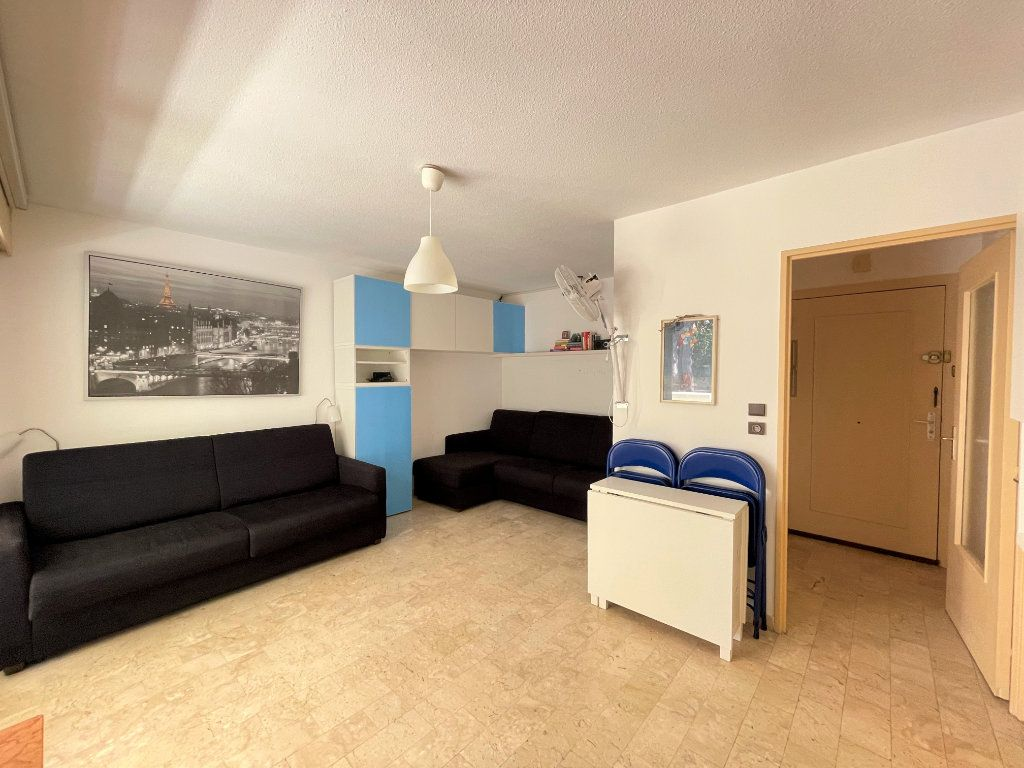 Appartement à louer 1 28.09m2 à Roquebrune-Cap-Martin vignette-6